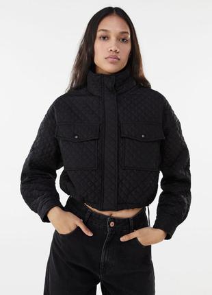 Нова стьобана куртка bershka