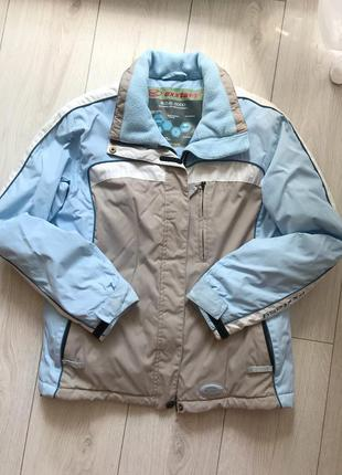 Водонепроникна куртка на осінь/ зиму/в гори