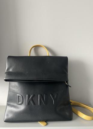 Сумка рюкзак черный dkny с желтыми ручками. оригинал
