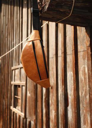 Бананка из натуральной кожи рижая сумка на пояс или плече кросбоди слинг кожа б04
