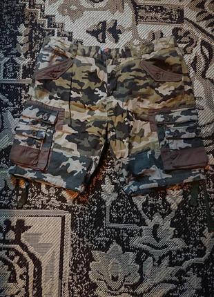 Фірмові англійські котонові шорти joe browns,нові,розмір 36-38,100% котон.