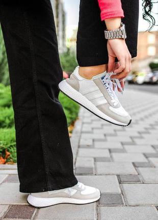 Женские кроссовки adidas white/grey
