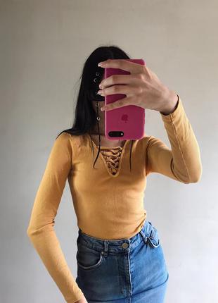 Жёлтая горчичная кофта в рубчик new look на шнуровке