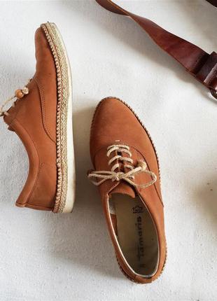 Кожаные туфли оксфорд на шнуровке tamaris