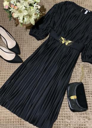 Красива сукня міді плісе h&m