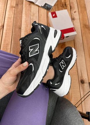 Женские черные кроссовки new balance 530 black