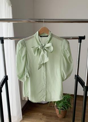 Блузка топ объемные рукава подплечники бант завязка
