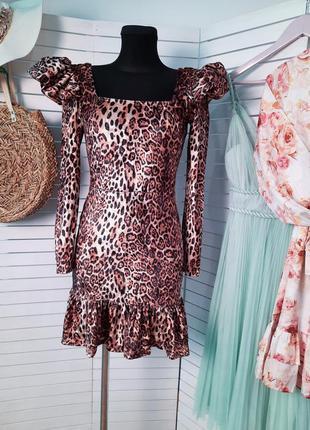 Потрясающее леопардовое платье
