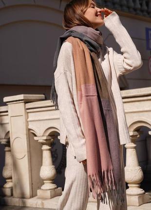 Кашеміровий шарф в клітинку пудровий з сірим