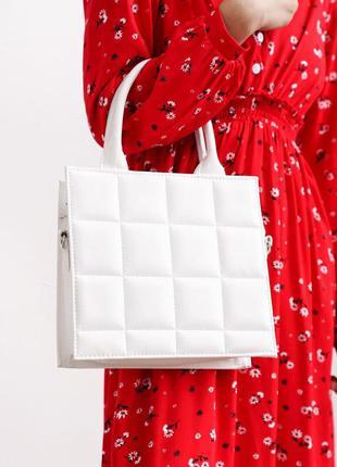 Квадратна сумка з ручками білого кольору
