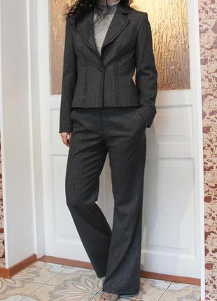 Женский стильный деловой брючный костюм