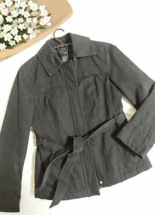 🤩чорна якісна, класична, стильна тепленька  курточка  демісізр.s