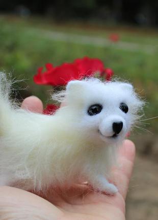 Собака самоед игрушка валяная из шерсти войлочная интерьерная подарок песик