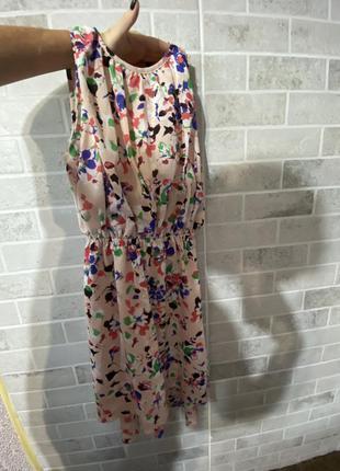 Очень милое красивое платье легкое с подкладкой-xs s