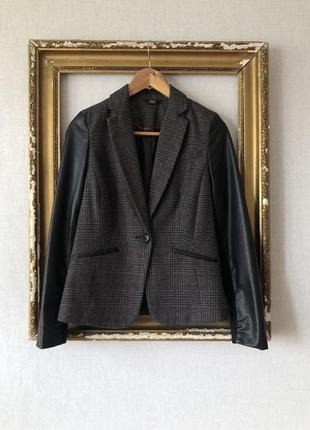Пиджак, рукав эко кожа, клетка серый, качественный.