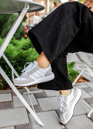 Женские кроссовки adidas iniki white/grey