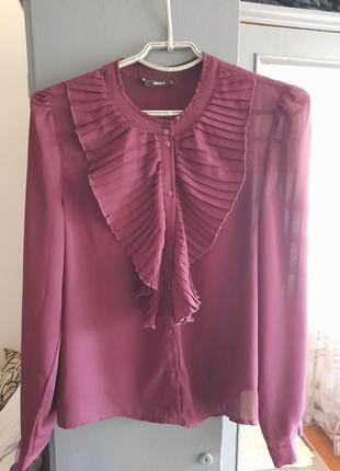 Красива блуза, кольору марсала