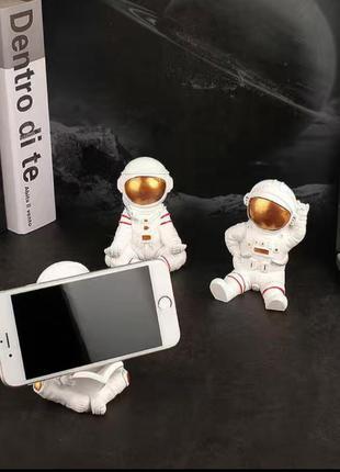 Подставка для телефона космонавт