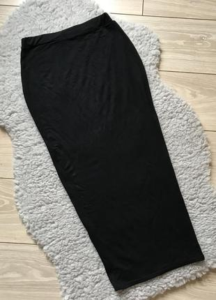 Миди юбка по фигуре чёрная за колено