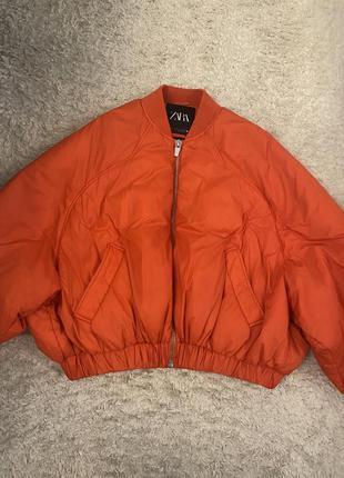 Оранжевый бомбер куртка zara