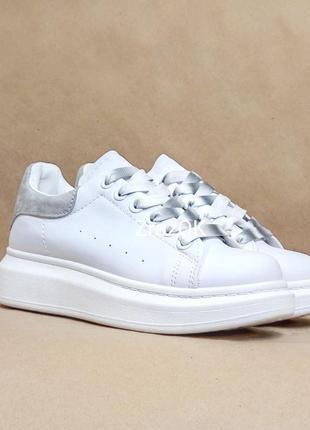 Белые кроссовки криперы ботинки слипоны на высокой подошве а стиле  mcqueen