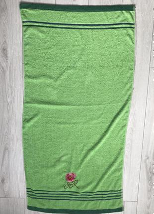 Зеленое полотенце, рушник, полотенце, банное полотенце, большое полотенце.