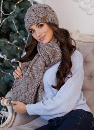 Темный кофе зимний комплект, набор шапка на флисе и шарф