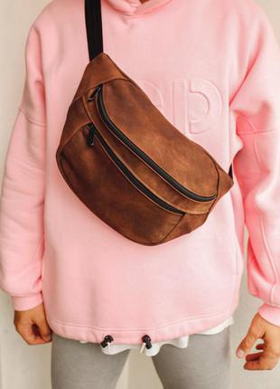 Oversize бананка кожа сумка на плече натуральная кожаная тертая коричневая гигант