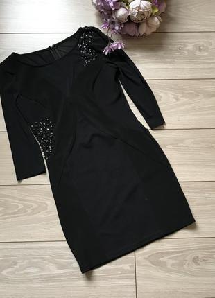 Чёрное вечернее платье с сеткой камнями