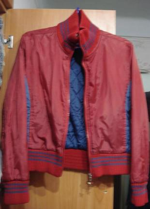 Красивенная курточка tommy jeans р. м (10-12)