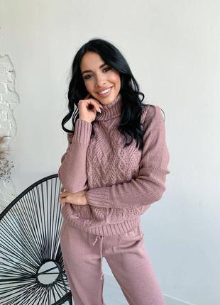 Вязанный розовый костюм теплый