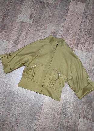 Крутой пиджак - накидка оливкового цвета