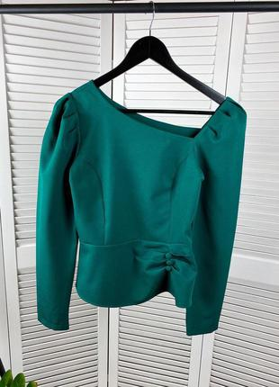 Изумрудная/бирюзовая блуза с ассеметричным вырезом