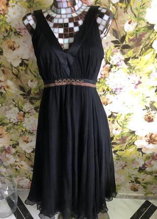 Платье шелковое известного бренда ..
