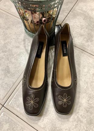 Новые кожаные туфли на среднем каблуке 🍁