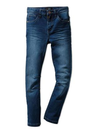 Стильные джинсы для мальчика на рост 134-146 см от tcm tchibo