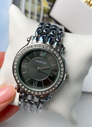 Часы женские  swarovski