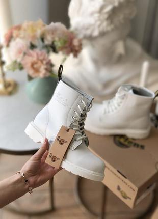 Ботинки сапоги dr martens 1460 white fur