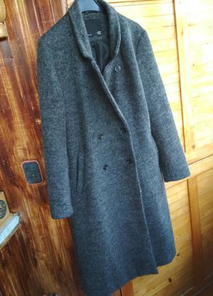 Актуальне вовняне двубортне пальто оверсайз міді демісезон