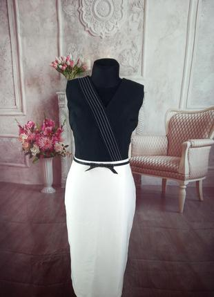Стильное платье футляр миди