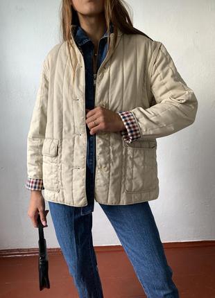 Бежевая стеганая куртка трансформер жилетка