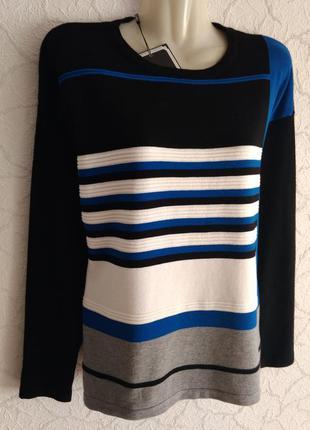 Новий, красивий вискозний свитер paramour.