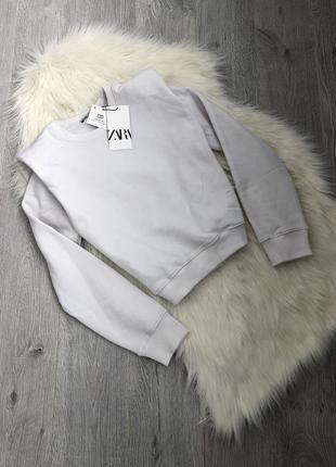 Стильный свитшот кофта с плечиками с подплечниками