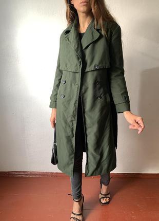 Зелёный тренч пальто