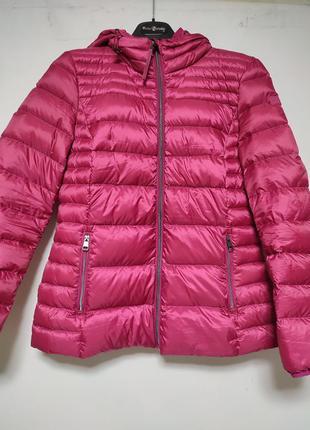 Легкая куртка,пуховик