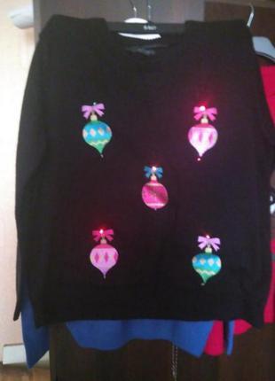 Новогодний свитер с гирляндой, батал