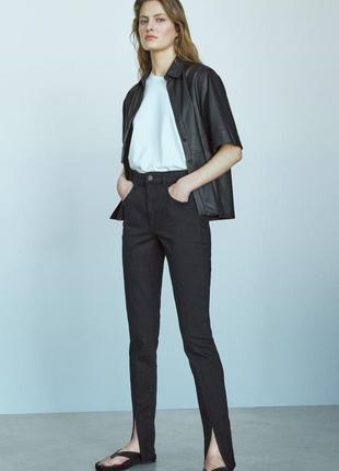 Новые брюки джинсы скинни р 44 с разрезами внизу от massimi dutti