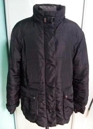 Тепленькая курточка с меховой подкладкой