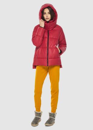 Красная короткая куртка женская