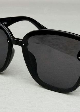 Fendi стильные женские солнцезащитные очки черные с золотым логотипом